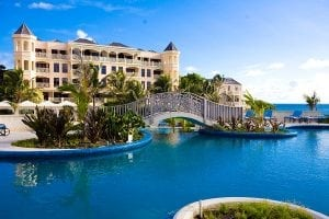 Stay with the best at the luxurious Crane Resort in Barbados.