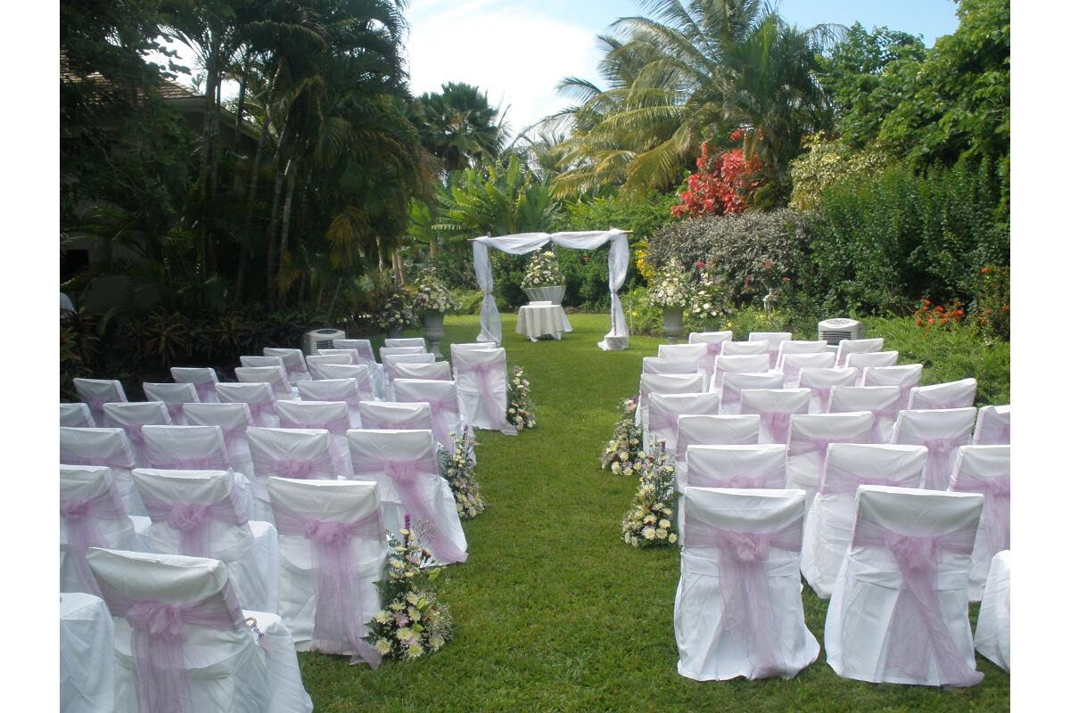 Beautiful Barbados garden wedding setting by Barbados Weddings…beyond your imagination!!