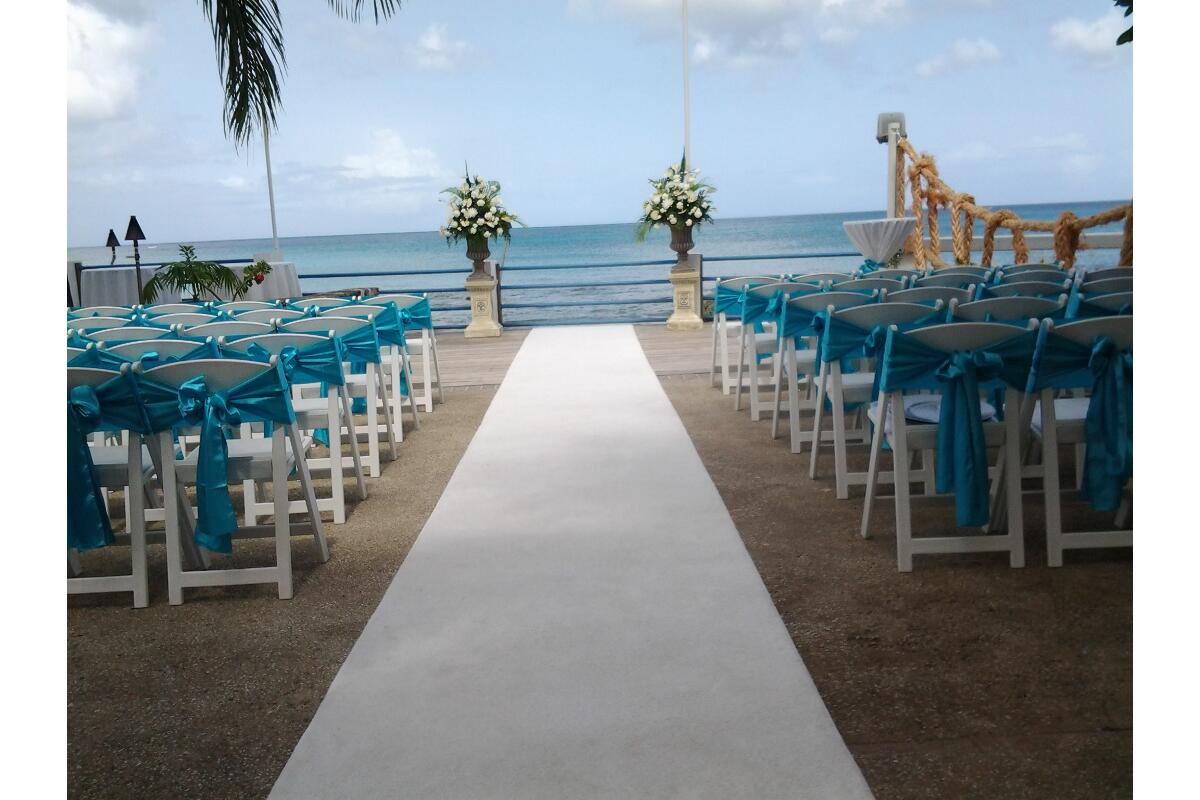Let the Caribbean Sea provide the perfect backdrop for your beautiful Barbados beach-side wedding.