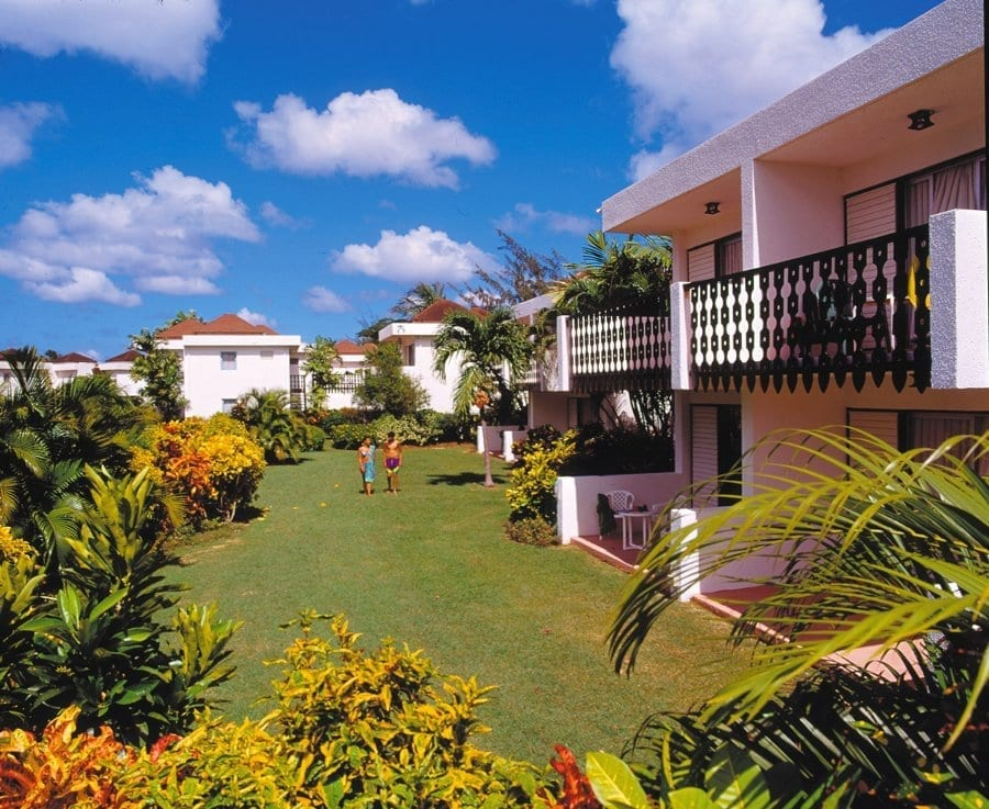 Peaceful and relaxing but still near to all the action - that's Barbados Plum Tree Club Apartments.